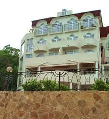 Частная гостиница «Сон у моря» в Алупке.
