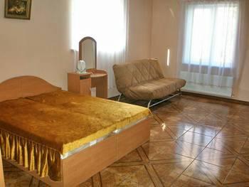 Частные гостиницы в Алуште. Гостиница 'Красный мак'.