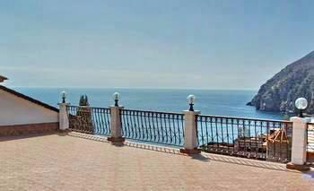 """Vacation in Crimea. Black sea. Вилла """"Аттика"""" в Партените"""